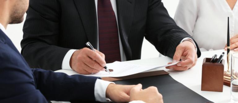 Anulada la designación de abogado de oficio a un recurrente en casación