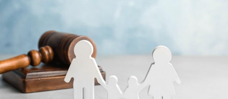 Filiación de paternidad no matrimonial y apellidos del menor