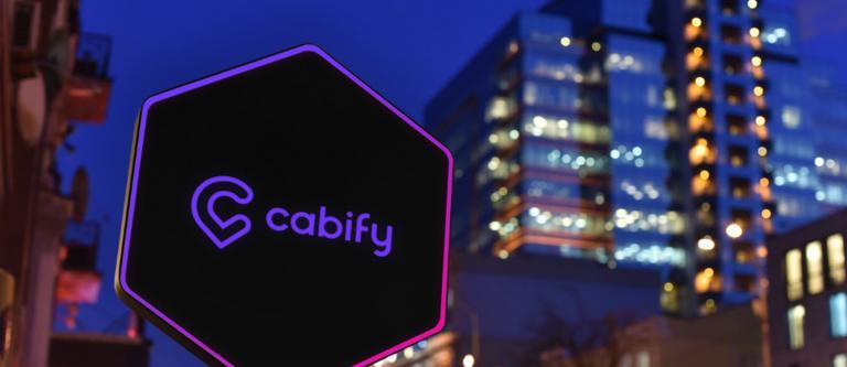 Condenan a Cabify a readmitir a un extrabajador e indemnizarlo