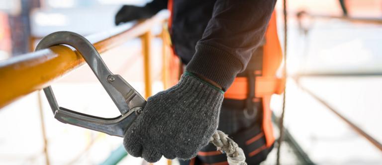 El Tribunal de Cuentas señala que la falta de regulación retrasa compensaciones por accidentes de trabajo