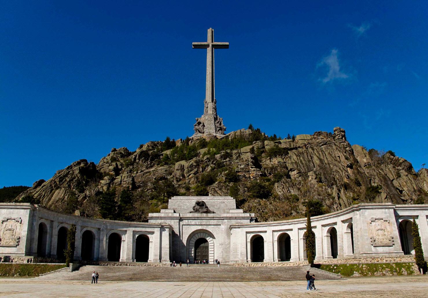 Exhumación de los restos de Franco