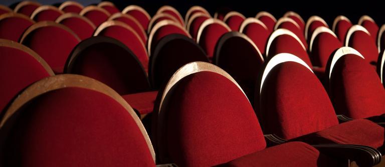 Teatro confinado: ¿hacia una nueva forma de comercialización de la obra  escénica? - El Derecho - Derecho TIC