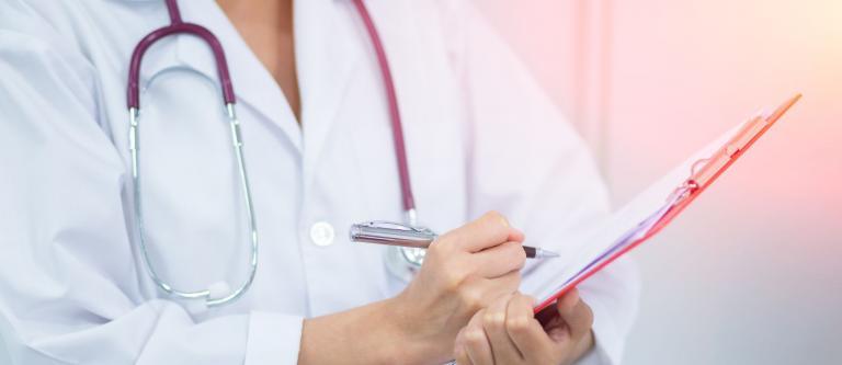 El TC ampara a una médico que fue discriminada por razón de sexo al reducirse su descanso retribuido tras una guardia