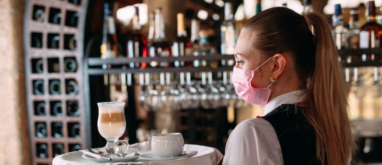 El TSJ de Galicia deniega la medida cautelarísima solicitada por los hosteleros coruñeses frente a las limitaciones impuestas por Sanidade para frenar la evolución del coronavirus