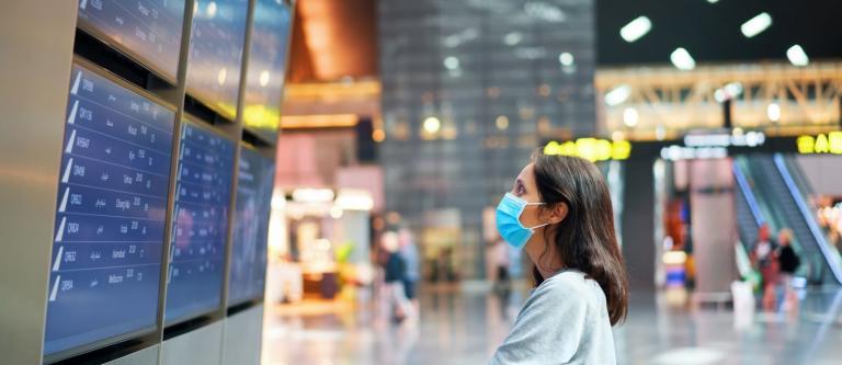 No usar mascarilla, motivo de denegación de embarque en el avión sin derecho a compensación económica
