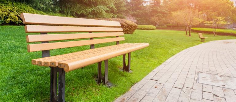Un Juzgado ordena investigar un posible delito de prevaricación en una Diputación por la compra de mobiliario urbano en 2011